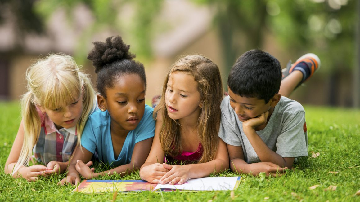 علاقهمند کردن کودکان به مطالعه کتاب
