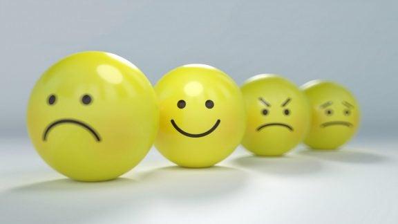 9 عادت اشتباهی که شاد بودن را از شما گرفته و منجر به ناراحتی میشوند