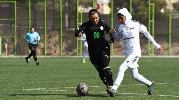آیا تیم ملی فوتبال بانوان به دلیل میزبانی فلسطین در مرحله دوم مسابقات المپیک آسیا مجبور به انصراف خواهد شد؟