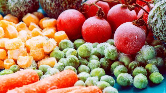 غذاهای فریزری – کدامیک از غذاها را هرگز نباید فریزری کرد و چرا؟