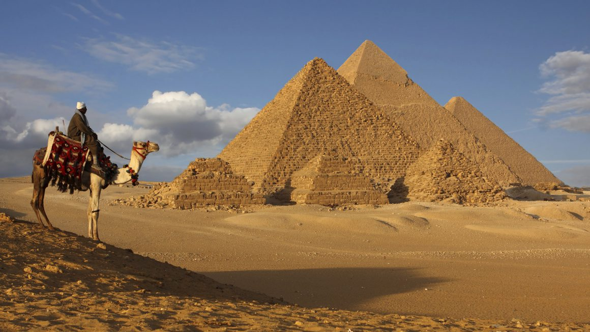 اهرام ثلاثه مصر از پربازدیدترین عجایب دنیا