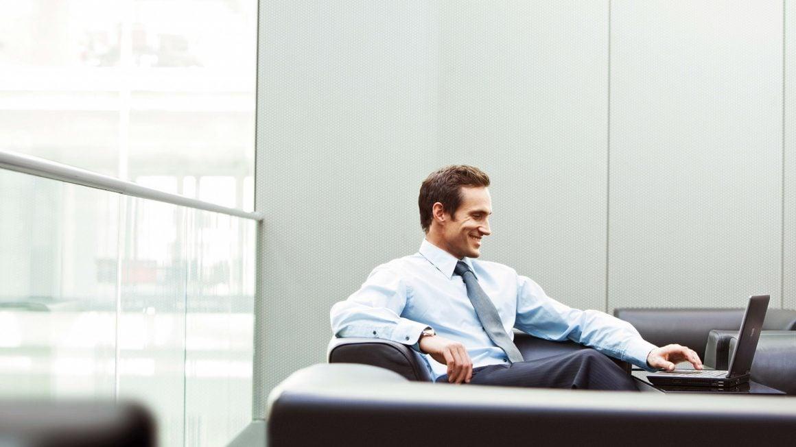 شغل رابطه مستقیمی با چایگاه اجتماعی فرد دارد.