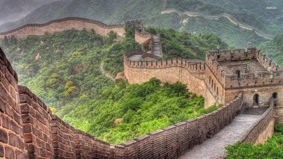 دیوار چین یکی از عجایب هفت گانه جهان و یک شریان مهم اقتصادی