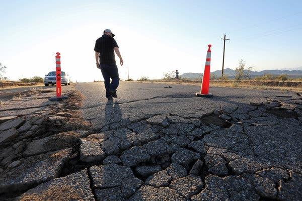 اسرار دو زلزله بزرگ کالیفرنیا-تخریب جادهها بر اثر بزرگی زلزله