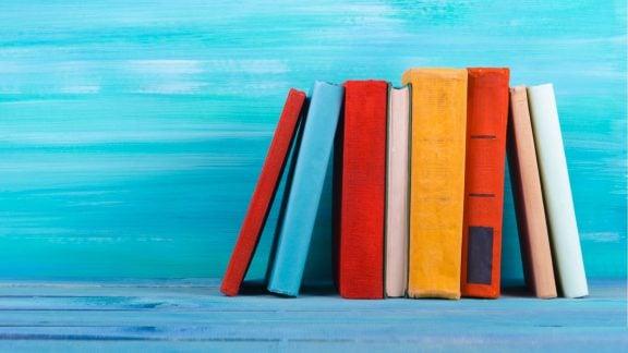 معرفی کتابهای ساده برای کتابنخوانهایی که میخواهند کتابخوان شوند