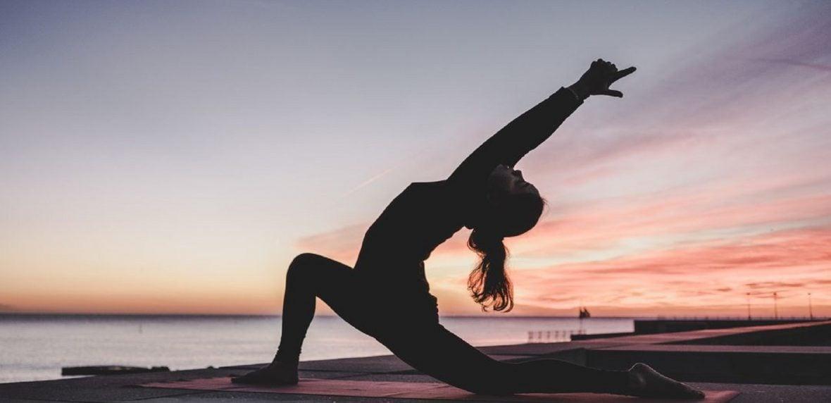 10 حرکت برتر یوگا تسکیندهنده درد کمر