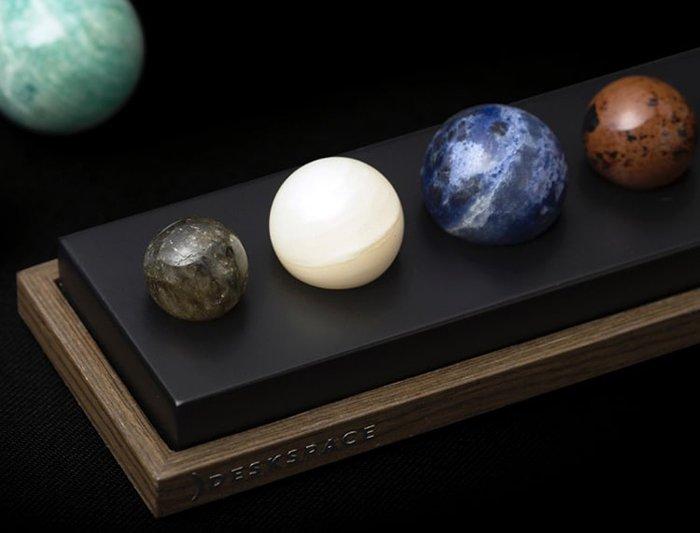 گویهای سنگی مجموعه دکوری رومیزی سیستم سیارهای