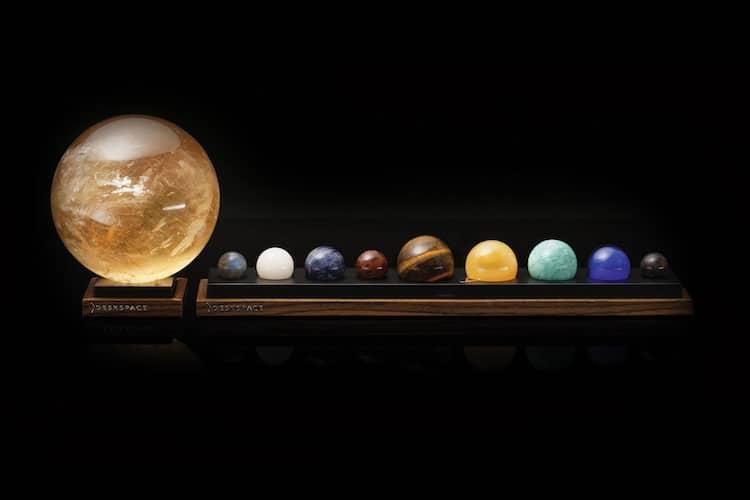 مجموعه دکوری رومیزی منظومه شمسی همراه با لامپ خورشید
