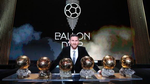 مسی توپ طلای بهترین بازیکن سال 2019 را برای ششمین بار دریافت کرد